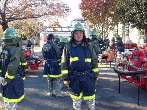 西池袋公園から移動し、南長崎花咲公園で他の分団と合流しました。 これから、想定火災現場である南長崎スポーツセンターに全員で移動し、放水訓練を行います。