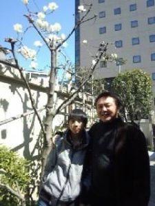 浅草の等覚寺に、両親と家族でお墓参りに来ています。