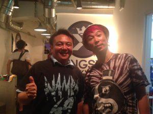 パンクロックバンドHi-STANDARDのボーカル・ベースとして有名な難波章浩さんが率いるロックバンド、NAMBA69がなんと池袋に。私も同世代として、熱いメッセージを受け取りました。
