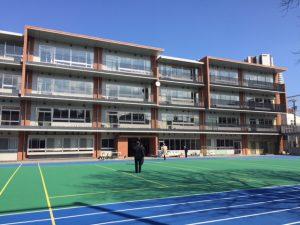 豊島区立池袋第三小学校 46名の卒業生 完成したばかりの新校舎での 卒業証書授与式に参加。  卒業生の皆様、保護者の皆様、ご卒業おめでとうございます。